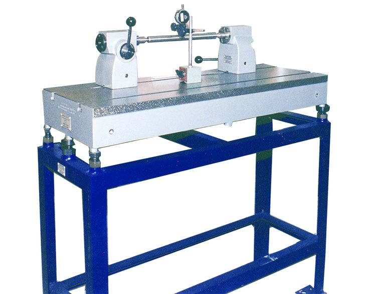 GMT Bench Centres - Manufacturer and exporter of cast iron bench centres with head stock and tail stock.