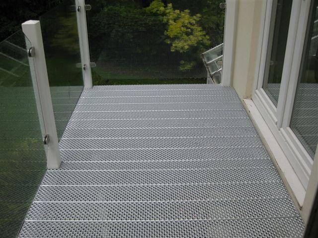 Balcony with open mesh flooring kitchen ideas pinterest for Open balcony