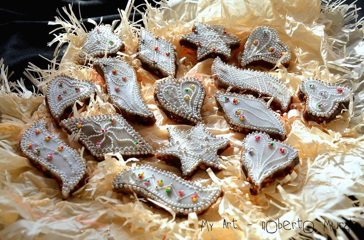 Continua la mia voglia di preparare dolci Sardi ...Questi che vi presento sono le ...