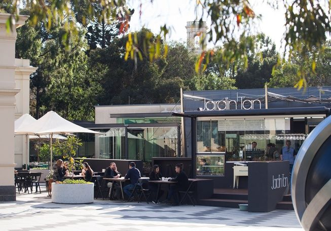 Breakfast in the botanic gardens, Melbourne