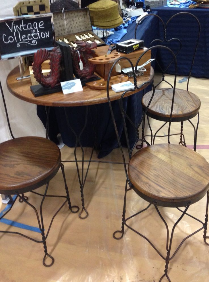Beautiful Twisted Metal With Wood Top Ice Cream Parlor Table And Four Chairs This Set