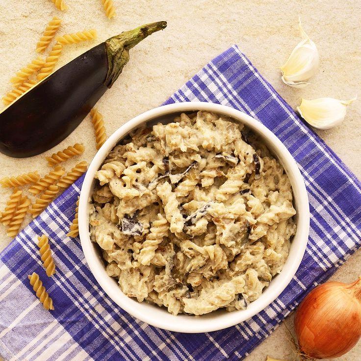 """Pasta """"Carbonara"""" med aubergine! Receptet finns i meny 18. 😊  www.allaater.se"""