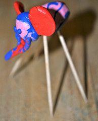 Escultura inspirada en els elefants de Dalí