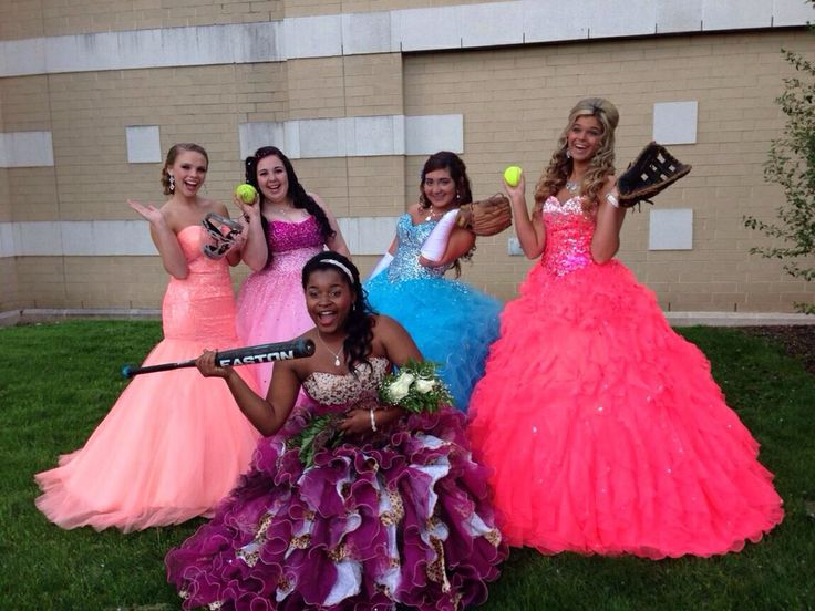 Prom poses for softball players