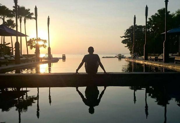 Waking up early to catch the sunrise at Tanjung Benoa Beach.  #Sakalabali #Sakalaresort #Sakalabeachclub  Picture by: @boento_bto