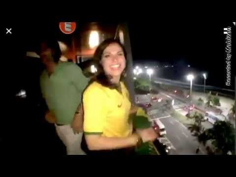 Lana Parrilla na sacada do hotel! Lana on the balcony - YouTube