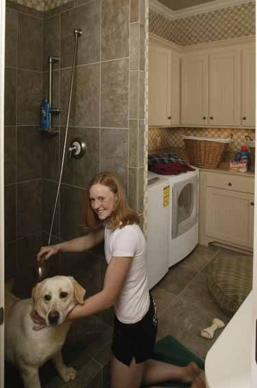 66 best pet showers images on pinterest bathrooms dog shower and pets this would be great if we could turn the entrance from the garage into the house into a laundry roommud room pet bathing area we already have the bath solutioingenieria Images
