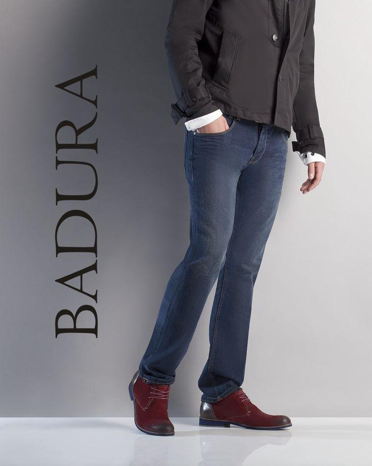 Nowa kolekcja BADURY to, między innymi, klasyka w najlepszym wydaniu - czarne i czekoladowe półbuty i sztyblety wizytowe. Wśród nowych modeli znajdują się  także bardziej odważne propozycje kolorystyczne. Panowie znajdą modele w odcieniach modnego burgunda, granatu oraz zieleni.