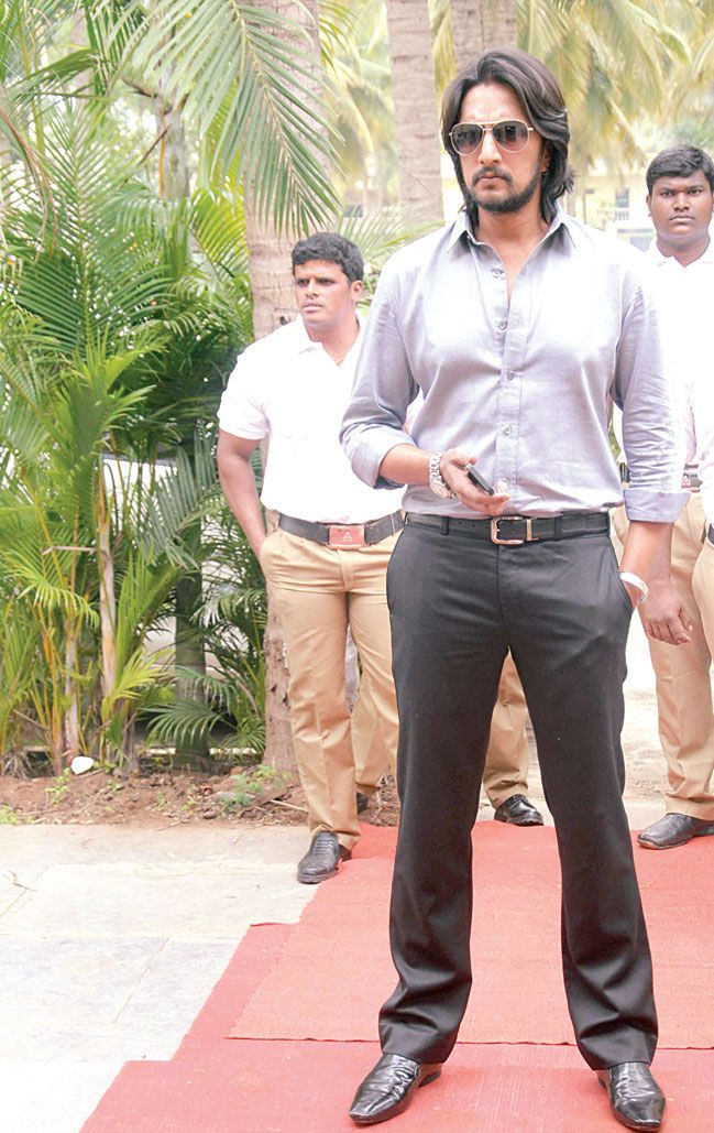 #Sudeep wanted to be a #cricketer!