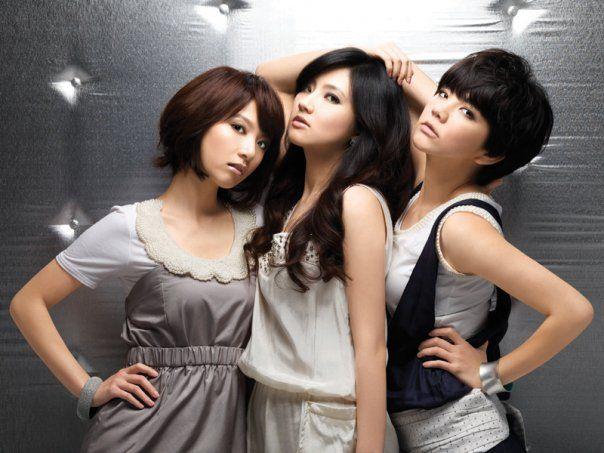 S.H.E Selina Hebe Ella Taiwanese Stars