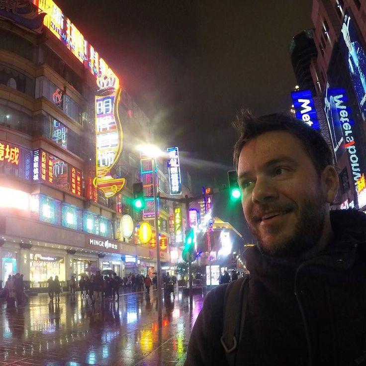 Hello from #Shanghai! #happytraveller in #China. #traveller #traveler #travel #asia #worldtraveler #instatravel  Φτασαμε Κινα. Ολα καλα με το Ιντερνετ. Με vpn μπαινουμε κανονικα αρα θα ανεβαζουμε φωτογραφιες!!