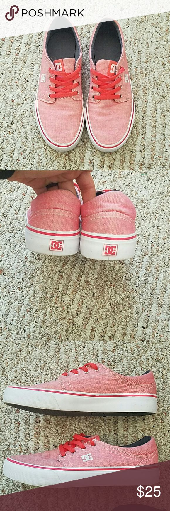 Womens DC skate sneakers size 8 Very comfy and great for a casual outfit or for boarding... whichever suits your fancy! DC Shoes Sneakers
