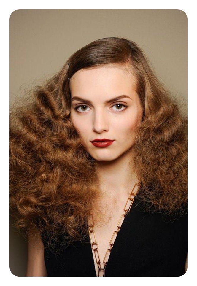 122 70 Frisuren Die Sie Fur Jeden Blick Wollen Fur Frauen In 2020 Frisuren 70s Haar Frisuren 70er
