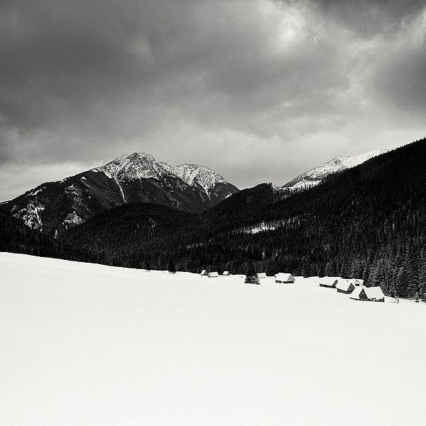 Tatra Mountains -  Mac Oller | LESS IS ART | lessisart.altervista.org