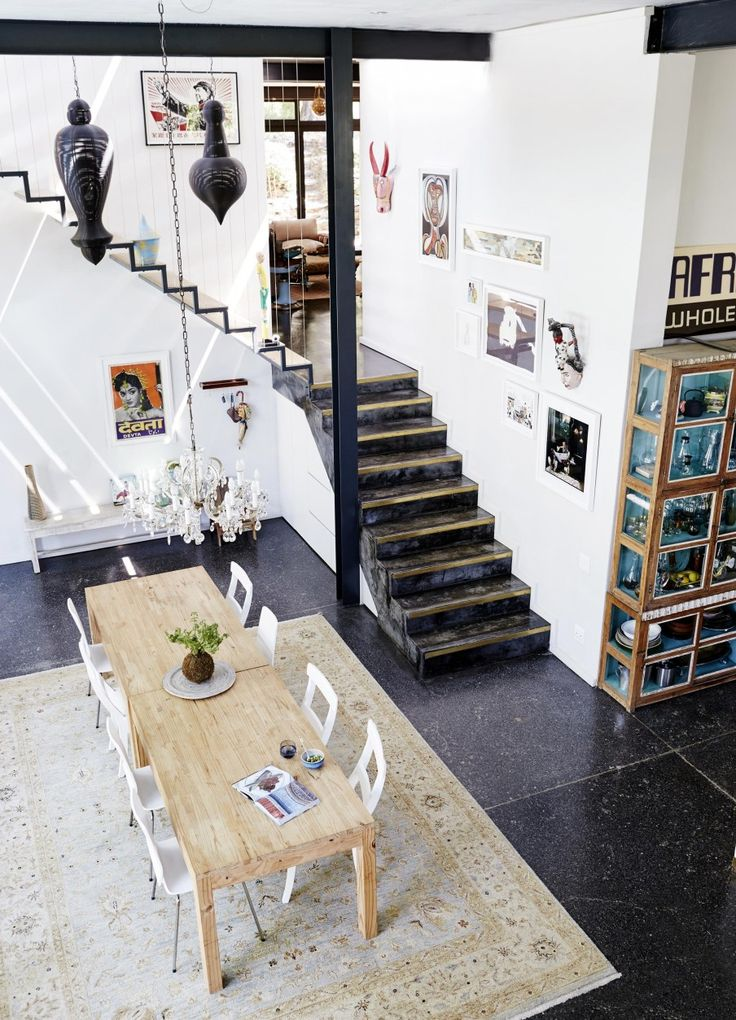 Living-dining room in an industrial seventies house with glass walkway   Styling Sven Alberding   Photographer Warren Heath   vtwonen August 2015