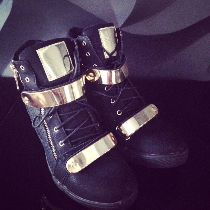 e-shoes 109 zł