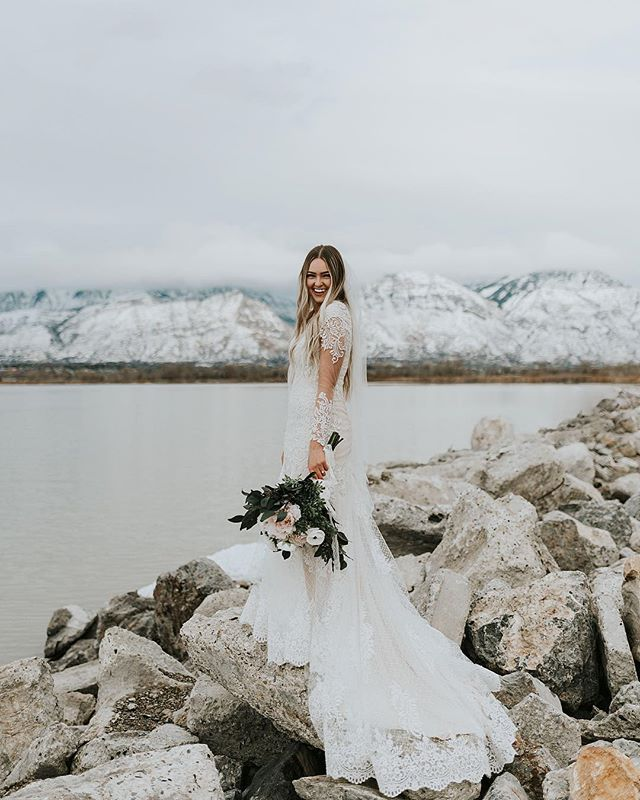 Katie Griff Photo: Mountainous Utah Bridals First Look – bridals ideas, romantic…
