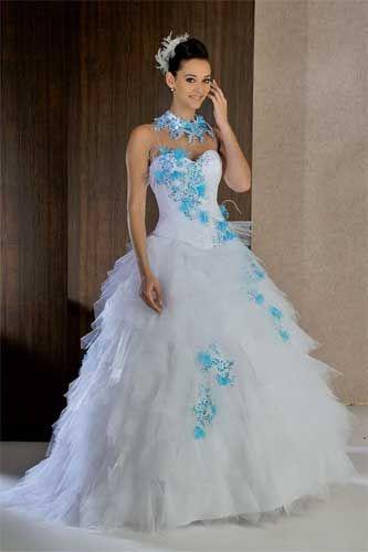03 vestido de novia blanco con detalles azules | vestidos de novias