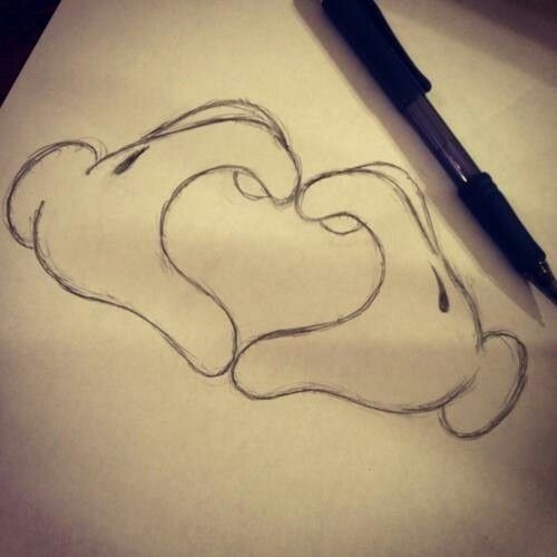 mickey mouse hands drawing heart