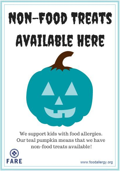Paint a pumpkin teal and leave it by your door so trick or treaters with food allergies know you have food free treats available! #tealpumpkinproject