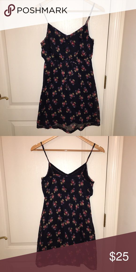 AERIE🌺 summer dress! Perfect for BBQs & Dates! A summery floral delight! It fits perfectly in all the right places! Really sad to let this one go! It's one of my favourite dresses 🌸 aerie Dresses Mini