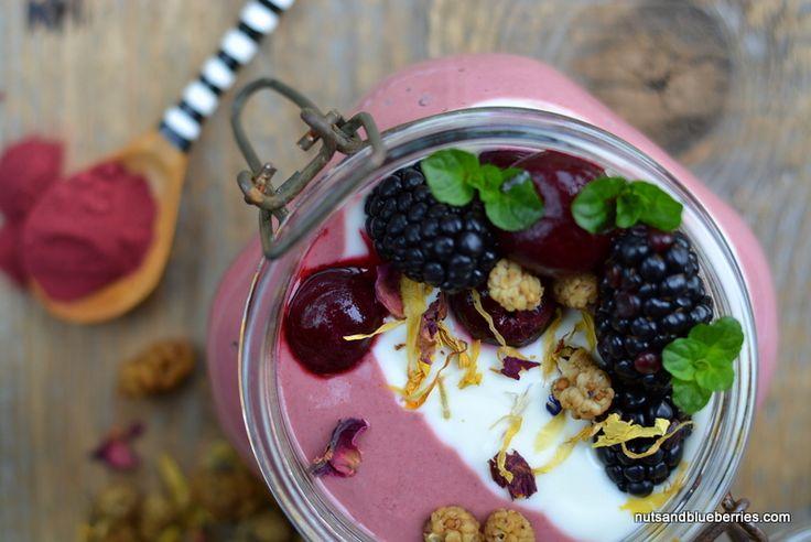 Cherry Red Beet Porridge / Kirschen Rote Beete Porridge mit LEBEPUR Rote Beete Pulver