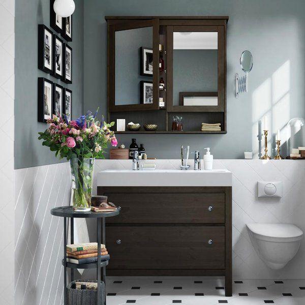 En un abrir y cerrar de ojos o en un fin de semana. Hay pequeños cambios muy resultones con los que renovar el cuarto de baño sin obras. Hacemos una lista de los básicos y tú decides hasta dónde...
