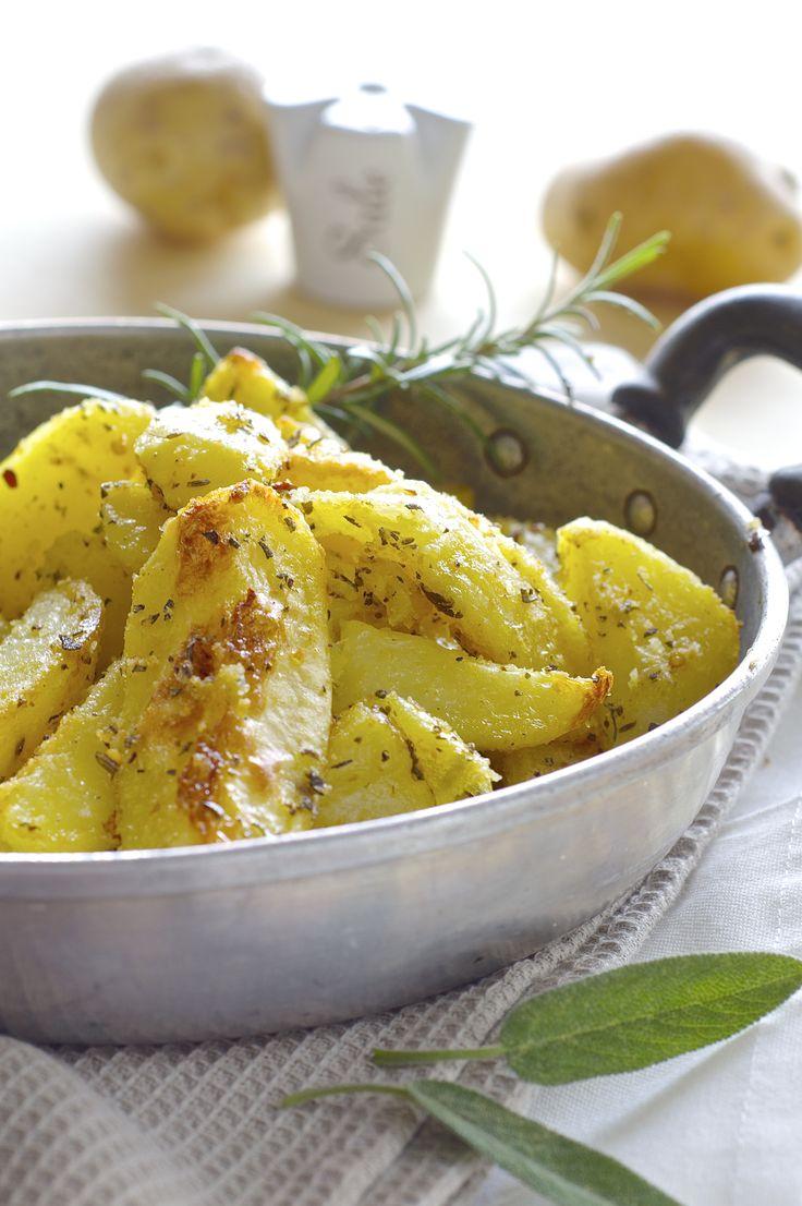 Patate rusticiotte agli aromi http://lapanciadellupo.blogspot.it/2014/10/patate-rusticiotte-agli-aromi.html