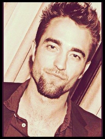 Why have I never laid eyes on this pic before?!?!  Rob with a goatee...YES PLEASE!!!