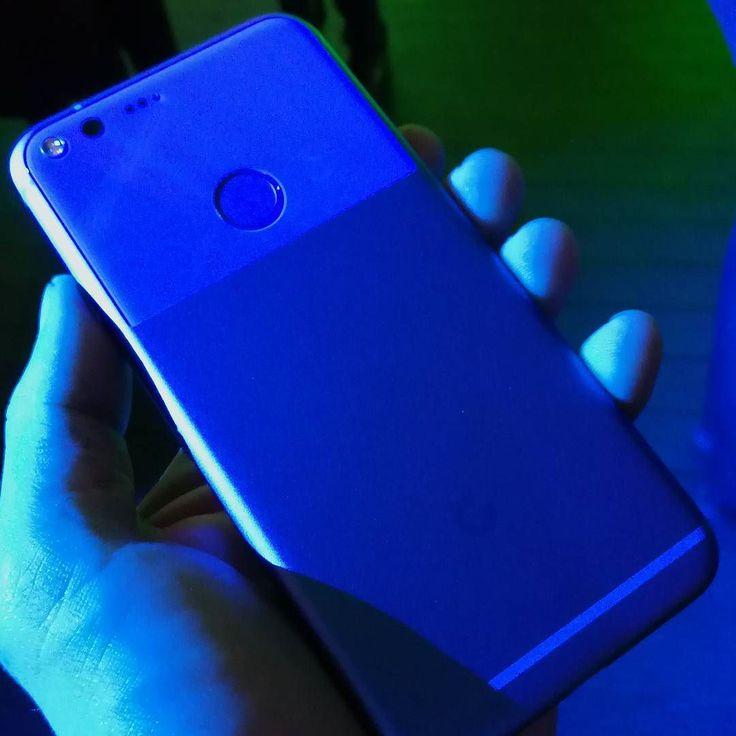 #google #googlepixel #pixel Com uma das melhores câmeras de smartphone de sempre avaliado.  Uma bateria que dura o dia inteiro. Armazenamento ilimitado para todas as suas fotos e vídeos. E é o primeiro telefone com o Assistente do Google integrado. #androidgeek #instatech #instablog #techblogger #androidgeek #techblog  #instablogger