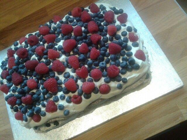 Fragiltebunde med vaniljecreme og friske bær ☺