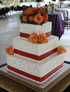 Freedom Bakery Square Wedding Cake with Flowers