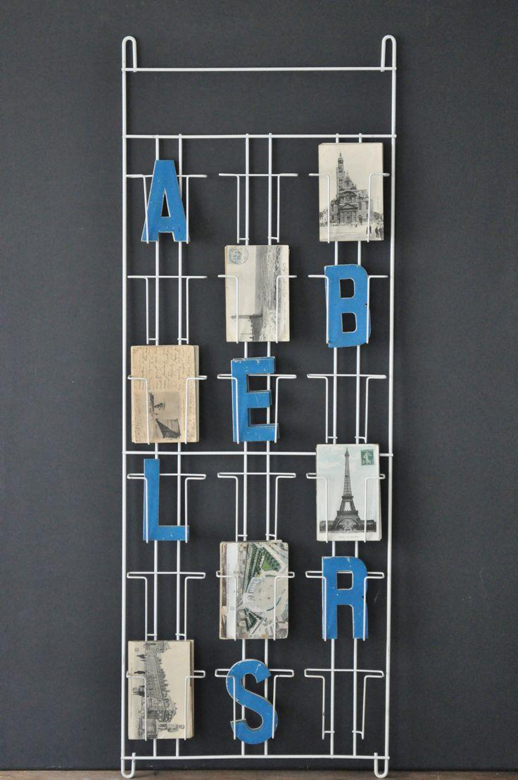 17 meilleures id es propos de presentoir carte postale for Porte cartes postales mural