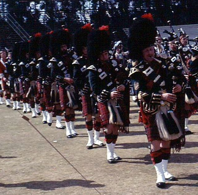 Scottish Bands: 133 Best Military Pipe Bands, Pipers And Military Pipe