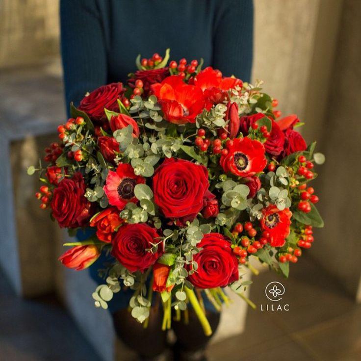 Букет ( анемон, роза, хиперикум, тюльпаны)