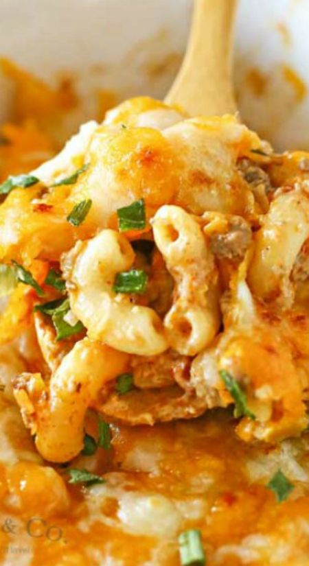 Taco Macaroni Casserole ~ All the flavors of your favorite taco, beef, seasonings... Oh my word, it's scrumptious!