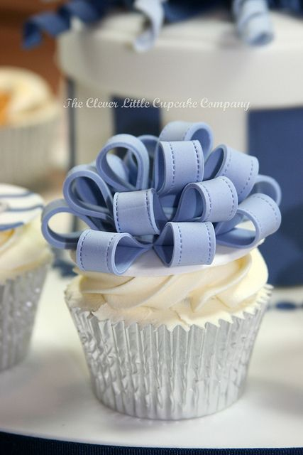 Large Loopy Bow Cupcake by The Clever Little Cupcake Company (Amanda), via Flickr