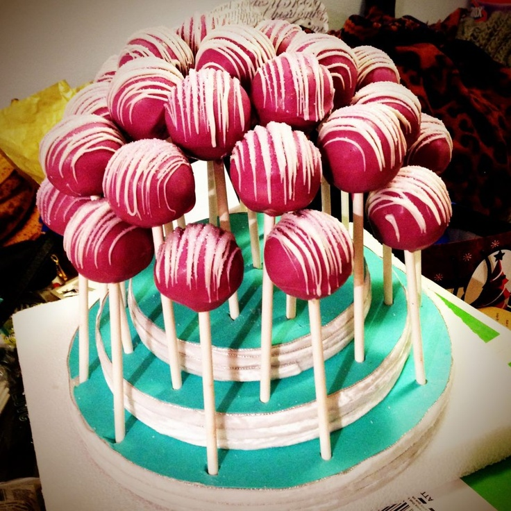 Primadonna. Always a showstopper. #cakepopattack #cakepop #baking #yum #redvelvet