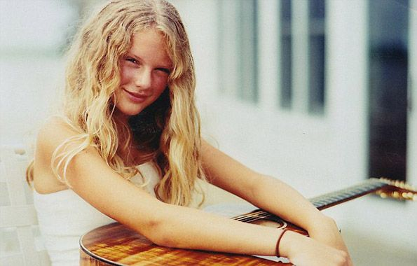 20 Pictures of Taylor Swift Before She was Famous