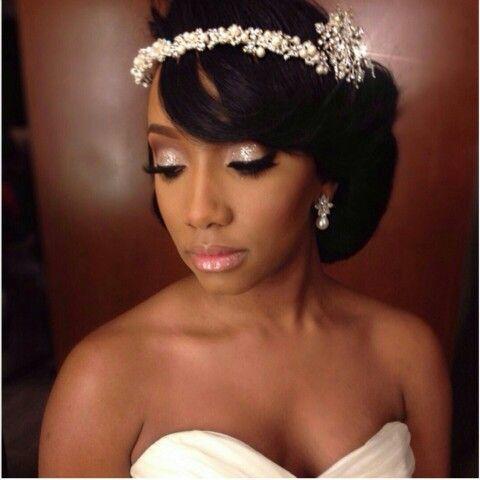 White, Black and Gold Wedding Make up. Gold glitter