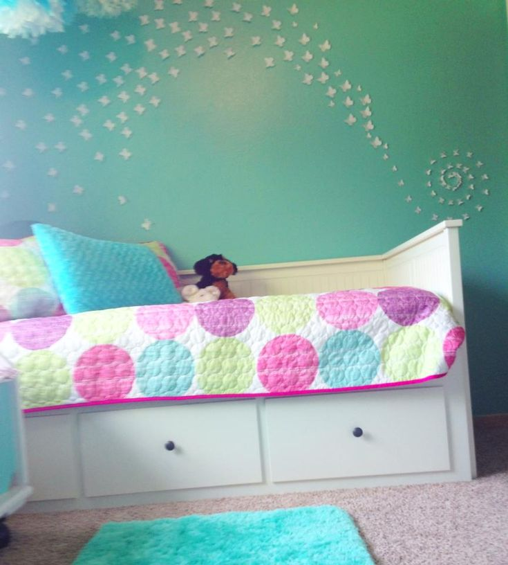 Lovely Bedroom Design With Turquoise Girl Bedroom Decoration: Outstanding Turquoise Girl Bedroom Decoration With Turquoise Bedroom Wall Along With White Wood Daybed Frame And Pink Polka Dot Bed Sheet ~ groliehome.com Bedroom Inspiration
