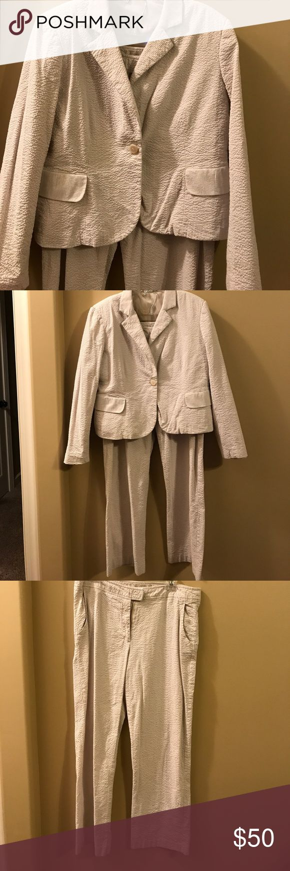 """Tan/cream seersucker Pant Suit Pants size 14 with 29"""" inseam - Jacket size 14 with lining. Harve Benard Pants Trousers"""