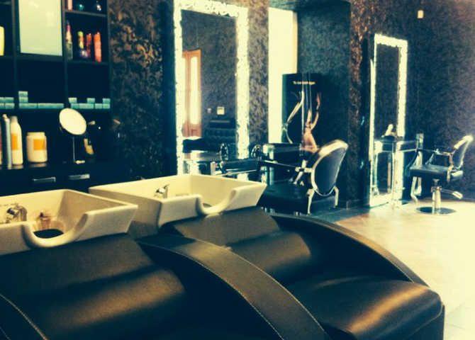 Salon IX Beauty Wellness: https://bookgoodlook.sk/banska-bystrica/kadernik/salon-ix-beauty-wellness-708