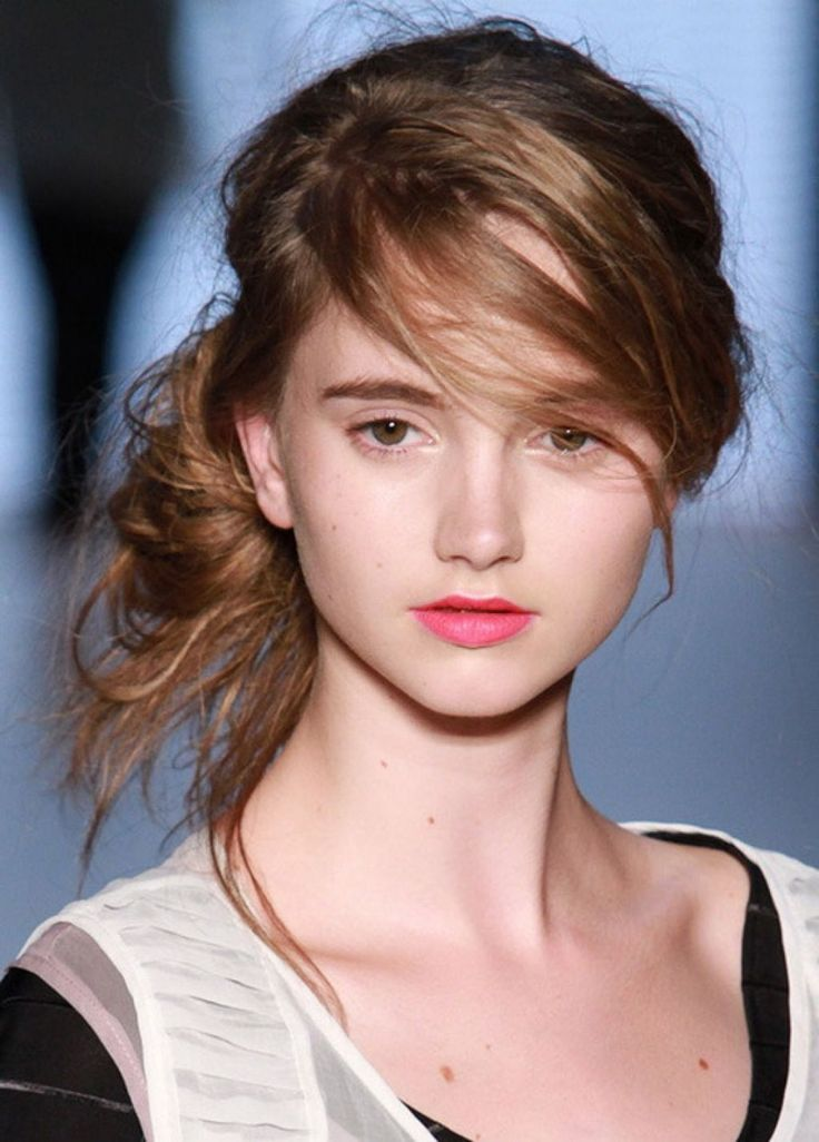 cute messy hair styles 17 best ideas about buns on 9691 | d38c177baebf360bbc9f3fcd8bb1c26c