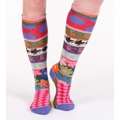 Mi-bas London. Apportez de la gaité à vos tenues avec notre nouvelle collection de mi-bas.  Aux motifs variés et uniques : fleurs, pois, rayures apporterons une touche de fantaisie à votre look. Vous trouverez à coup sûr la paire qui vous conviendra. #socks #stockings  #fancy  #whimsy #chaussette #mibas #color #coloré #couleur #rouge #vert #pois #rayures #carreaux #original #design #moderne #tendance #fantaisie #dubanddrino #dubetdrino