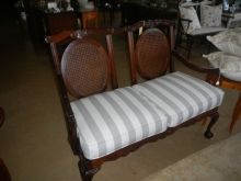 Edwardian Mahogany sofa exceptional condition wel priced @ R3950