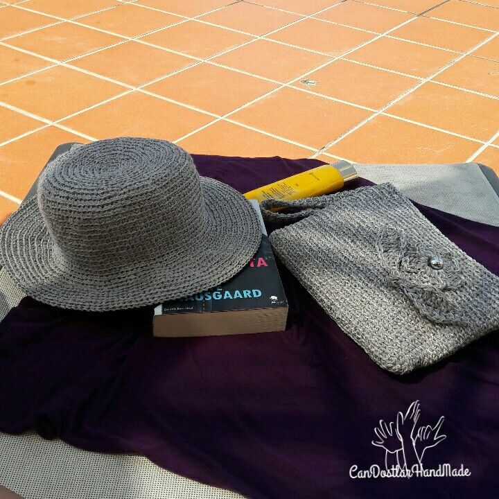 Crochet hat & clutch  Kağıt ip potföy ve şapka
