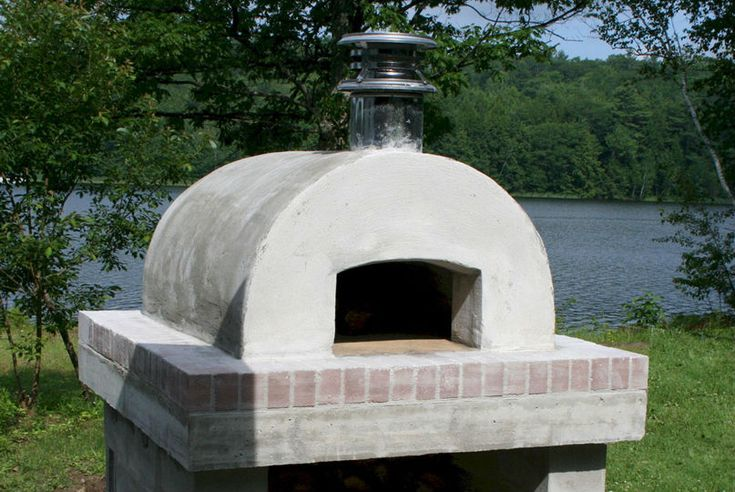 DIY wood fired pizza oven using Castable Refractory