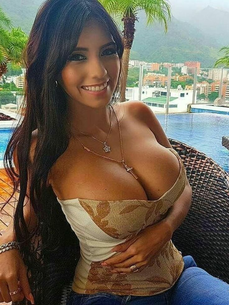 sexy latina boobs