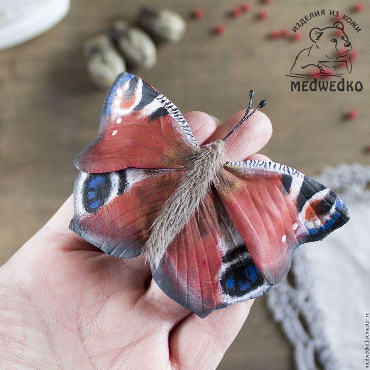 Купить Брошь из кожи Бабочка Павлиний глаз - ярко-красный, бабочка, брошь, брошь бабочка